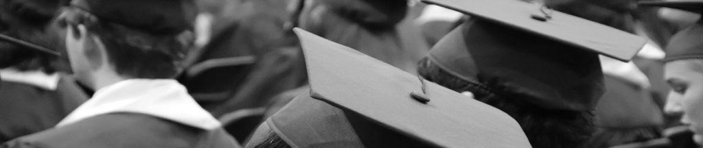 apprenants diplomés lors d'une cérémonie de remise de diplômes